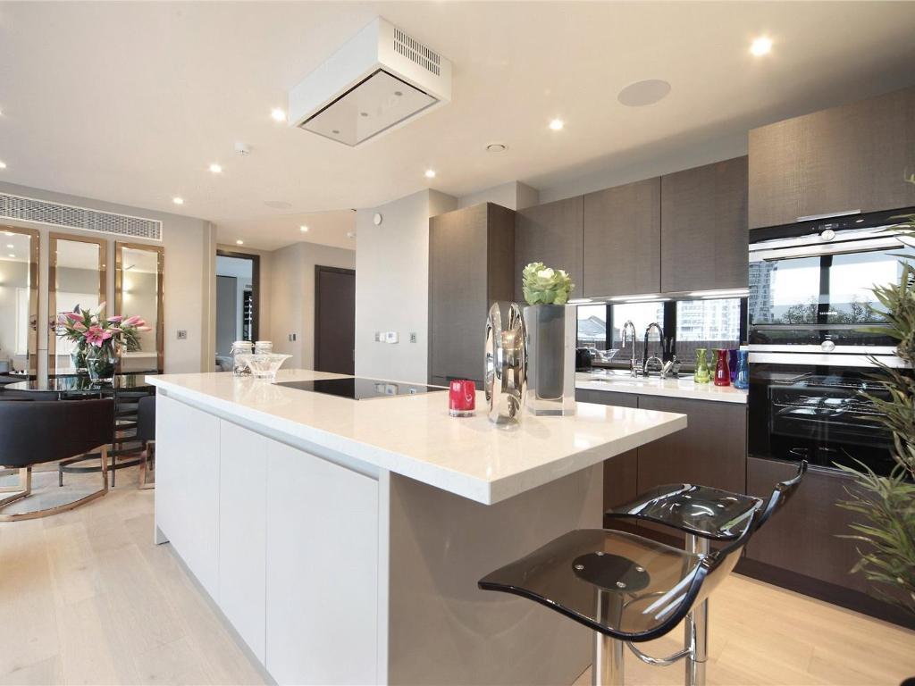 Apartment Luxury Penthouse London UK  Bookingcom