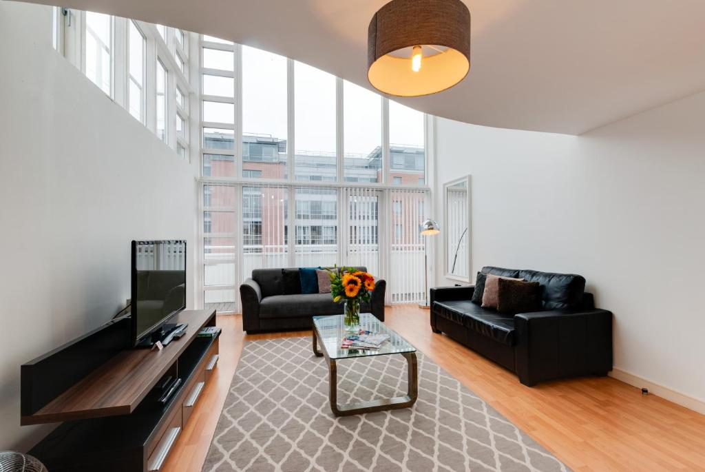 sofa preston docks comfortable bed base serviced apartments the liverpool updated 2019 prices gallery image of this property