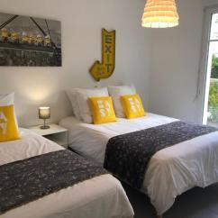 Disney Dream Sofa Bed Dark Gray Living Room Ideas Apartments Serris France Booking Com Gallery Image Of This Property