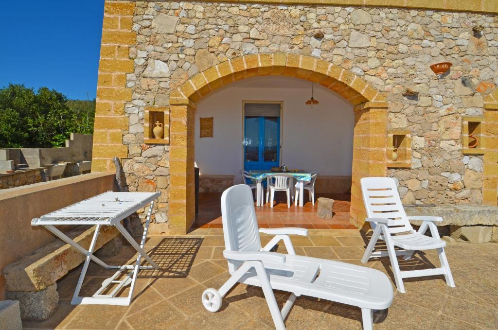 Vacation Home Casa Orizzonte Pat Italy  Bookingcom
