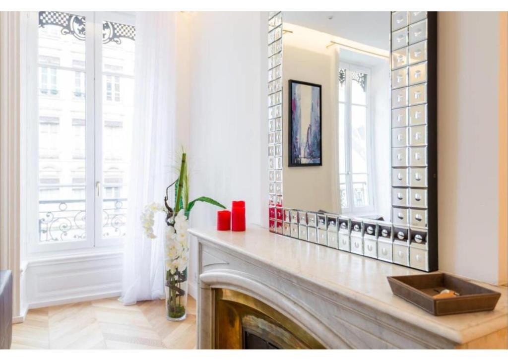 Appartement de luxe Place Bellecour Lyon France  Bookingcom
