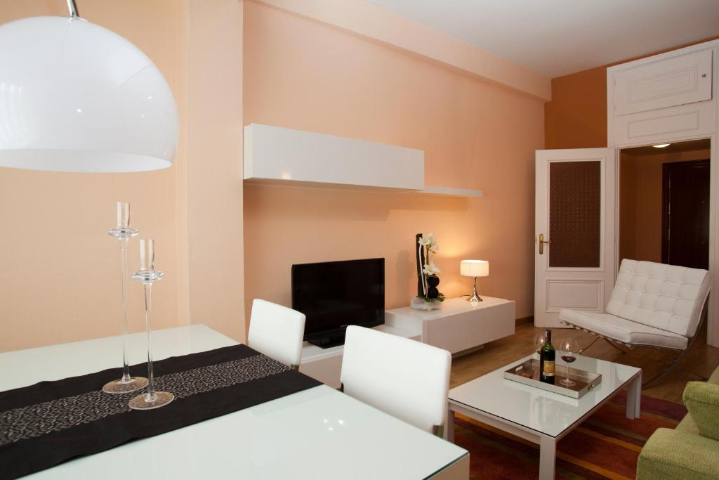 Apartamentos Madrid Plaza Madrid  Precios actualizados 2019