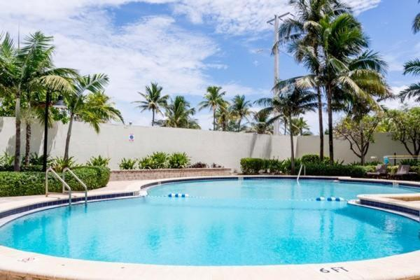 Apartment The Tides and Sian Hollywood FL  Bookingcom