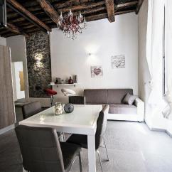 Casa Italy Sofa Singapore Grey Corduroy Fabric Apartment La Di Gio 295 Spezia Booking Com Gallery Image Of This Property