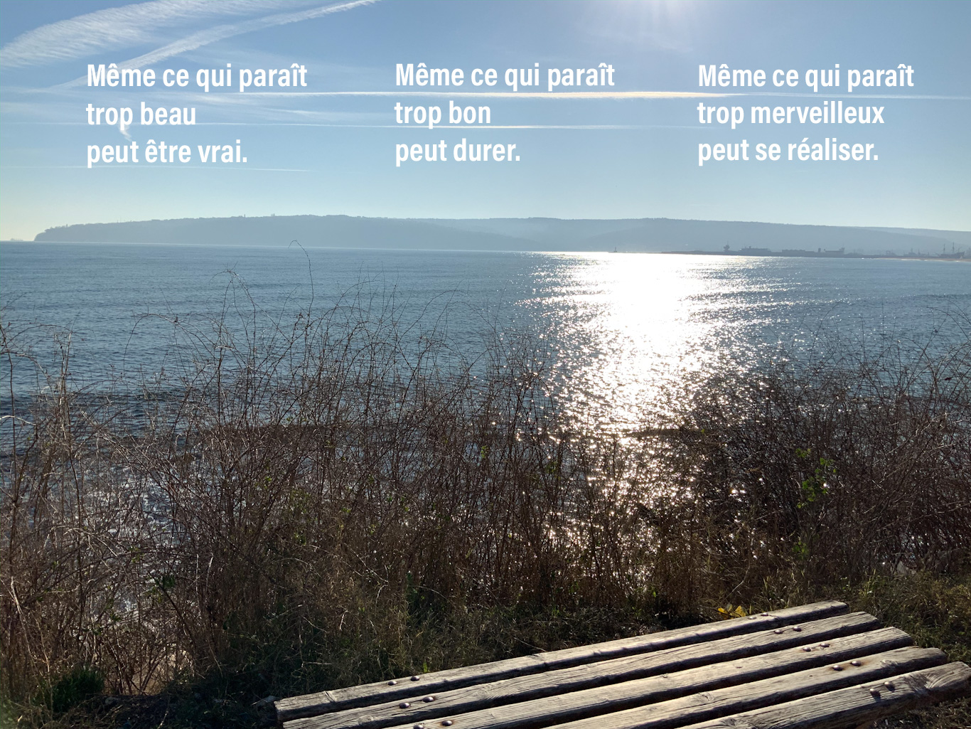 Vue sur la mer Noire, reflets du soleil sur les eaux