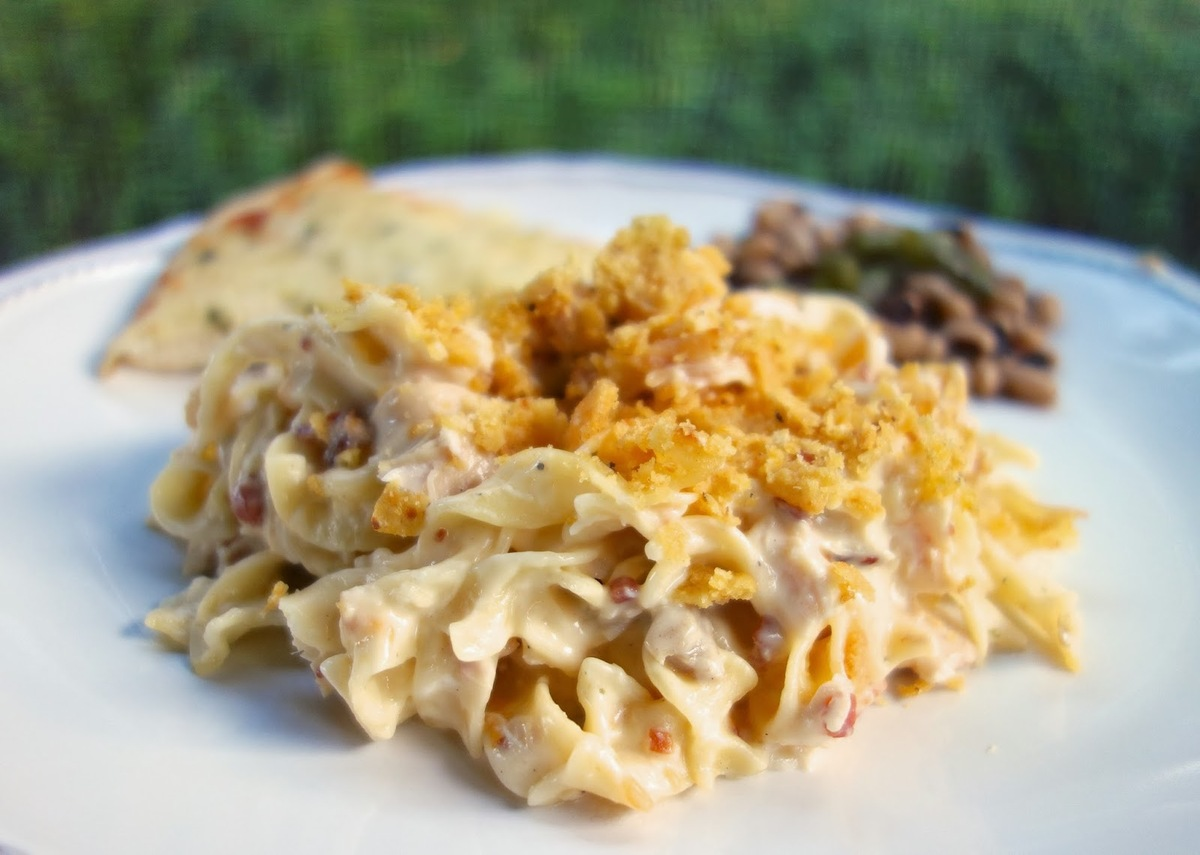 "<strong>Get the <a href=""http://www.plainchicken.com/2013/10/cracked-out-chicken-noodle-casserole.html"" target=""_blank"">Crack"