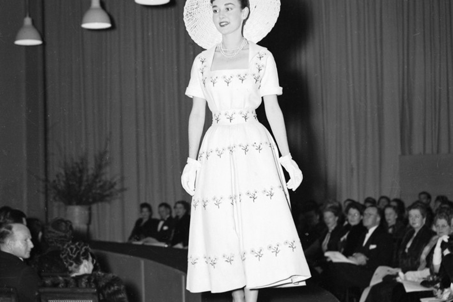 7 Ways Fashion Shows Were Different In The S
