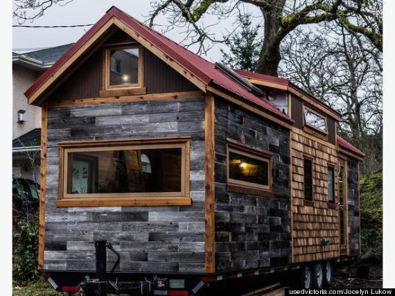 B C Family Building Tiny House But Needs Land Huffpost
