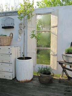 Daybed Outside Porch Garden Yard Whitewashed Cottage Chippy Shabby