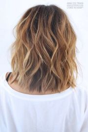 collar length layered hairstyles