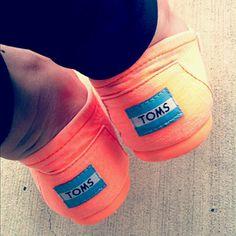 neon orange toms