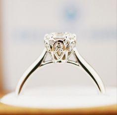 One Direction Zayn Malik Amp Perrie Edwards Diamond Engagement Ring Celebrity Rings Pinterest