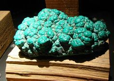 Cool Rock Celled Malachite Pretty Crystal Jewels And Rock