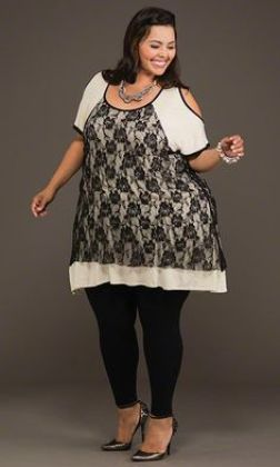 Resultado de imagen de plus size women with turtle neck sweater and leggins