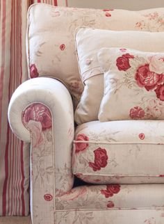 recover sofa cushions wine table 1000+ ideas about floral couch on pinterest   ...