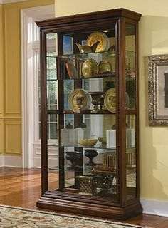 1000 Images About Curio Cabinets On Pinterest Pulaski