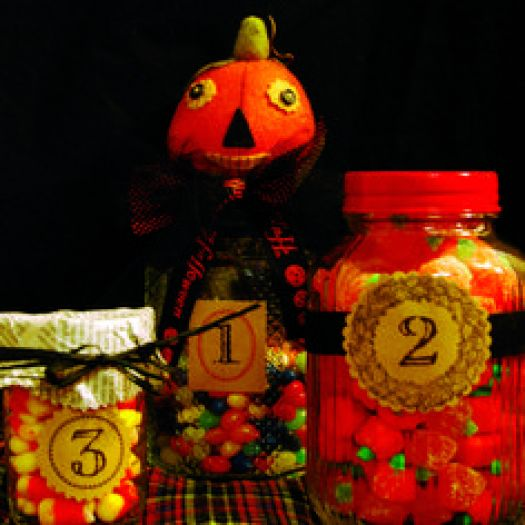 Halloween activity: Candy jar guessing game