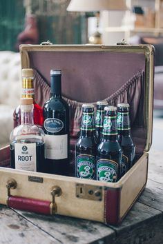 1000 Ideas About Vintage Suitcase Wedding On Pinterest