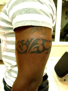 tatouages301 tatouage tour de bras maori. Black Bedroom Furniture Sets. Home Design Ideas