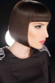 lip-length bob short bangs