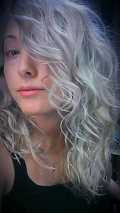 i m obsessed with white and grey hair