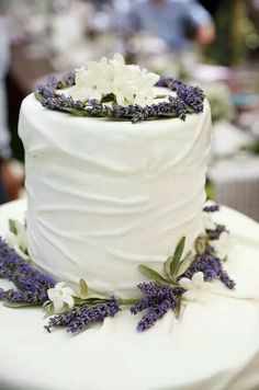 1000 Images About Lavender Wedding Cakes On Pinterest