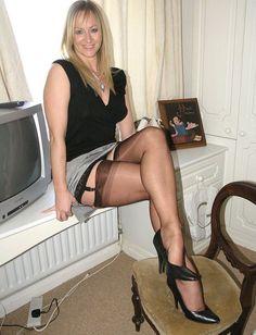 cougar legs spread