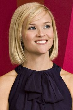 Top 50 Hairstyles For Long Faces Simple Blunt Bob Her Hair Is Cut