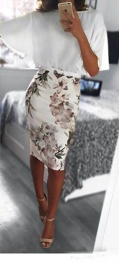 Office look | Loose sleeves white blouse with floral pencil skirt