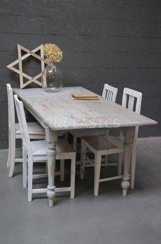 Tafels  Landelijke oude brocante tafels eettafels