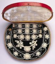 queen mary silver pearls and england