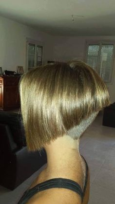 Angled Inverted Bob With Clipper Cut Nape Inverted Bobs