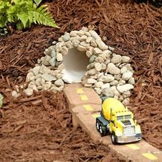 Make A Mini Dinosaur Garden With The Kids Gardens The Kid And Minis
