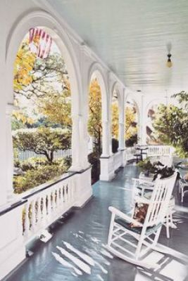 Old Southern charming home with wrap around porch and lovely arched fascia... ᘡղbᘠ