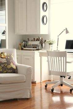 Living room  paint color Benjamin Moore Gray Owl OC52 at