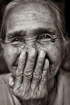 Resultado de imagen de miradas de ancianos con vitalidad