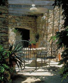 Spanish Patio Spanish Garden Spanish Courtyard Sheltered Courtyard