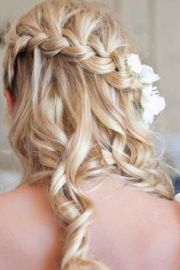 1000 hoco hairstyles