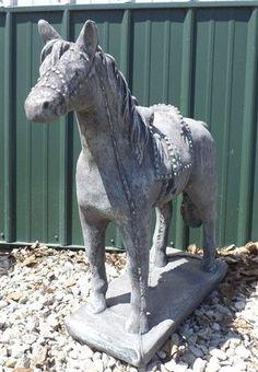 horse concrete lawn ornaments