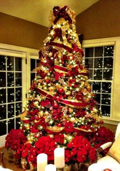 gold red christmas tree