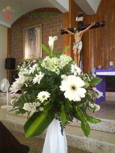 Arreglos de nube para la iglesia ebodas WeddingIdeas