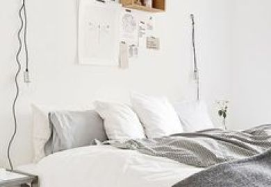12 Small Space Bedroom Ideas The Decorating Dozen