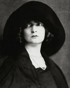 Actors, Actresses & Singers - Gone but not forgotten on Pinterest ...