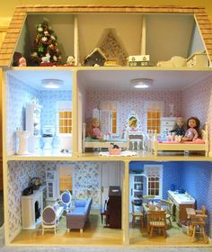 Victorias Farmhouse I Could Build This Dollhouse For You