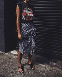 Location: Paddington I've never thought a skirt with this length and pattern would once be one of my faves! You also wouldn't believe how flattering the ruffles on the side are! Can&#82…