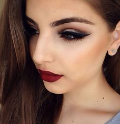 Dark Makeup Looks With Red Lips