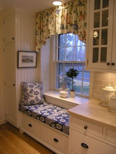 black and cream / white buffalo check window covering and