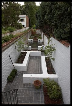 Narrow Long Garden Perfect Way How To Deal With An Uneven Wall