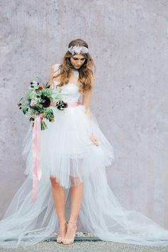 Modernes Extravagantes Brautkleid Vorne Kurz Hinten Lang Von