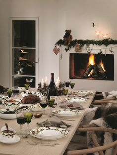wishbone chairs cherry wood table and 1000+ images about star fluted christmas on pinterest | royal copenhagen, dinnerware stars